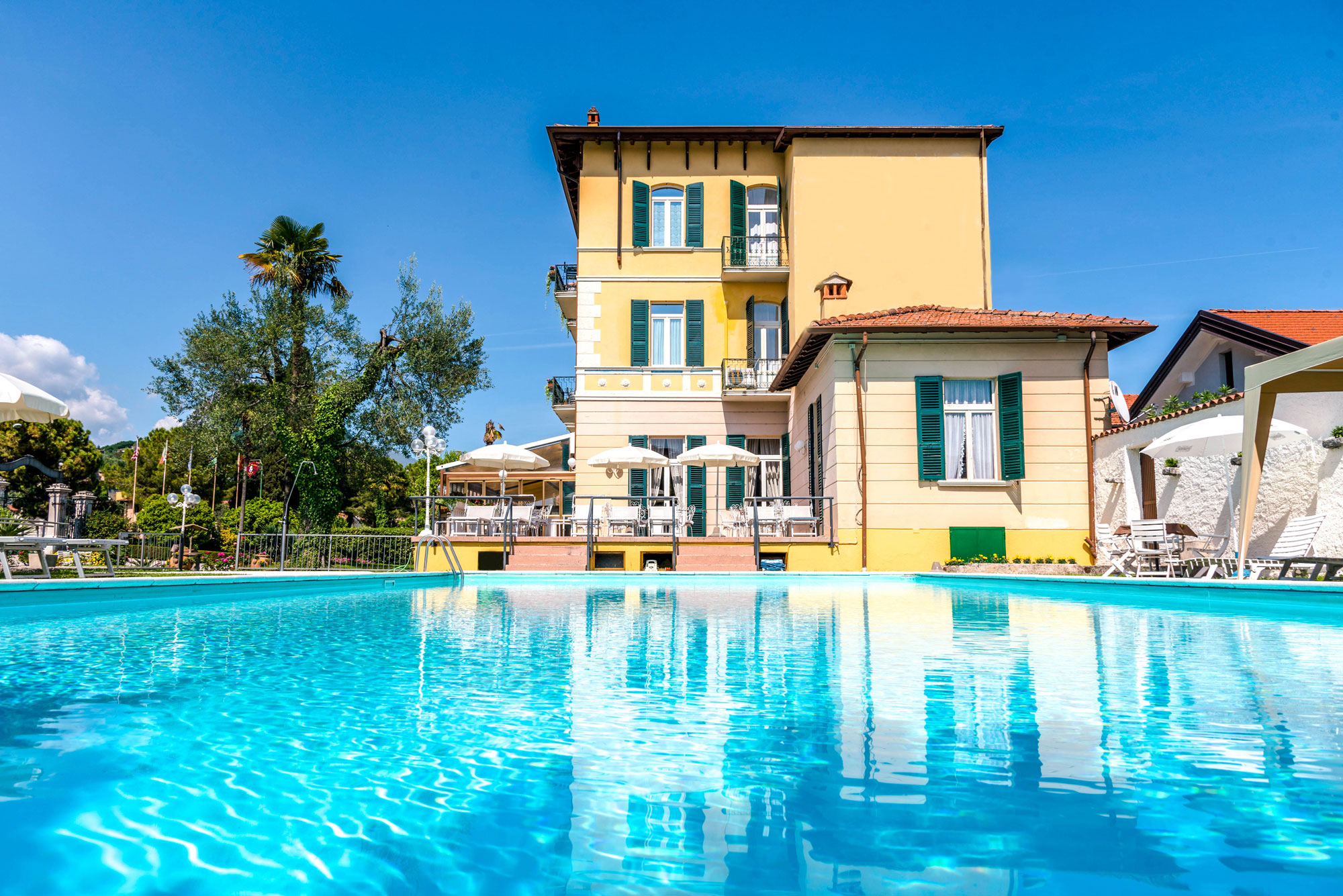 piscina hotel maderno 2